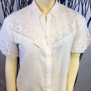 Vintage white cutout eyelet floral button Shirt S